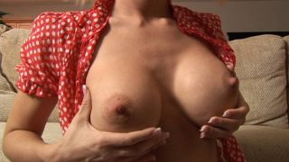 Student makes a sex show and shakes boobs in front of the webcam